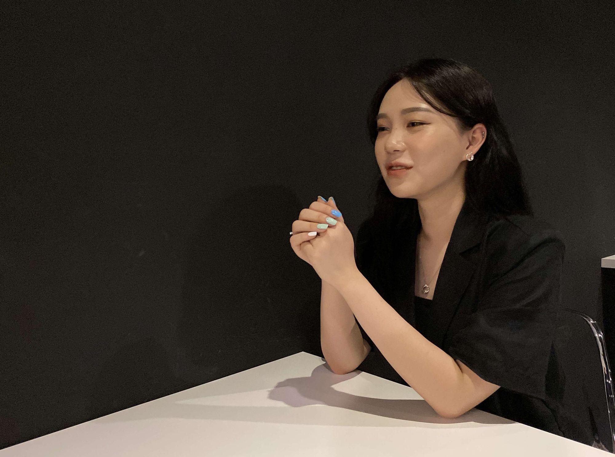 bold-interview-designer-nora-3